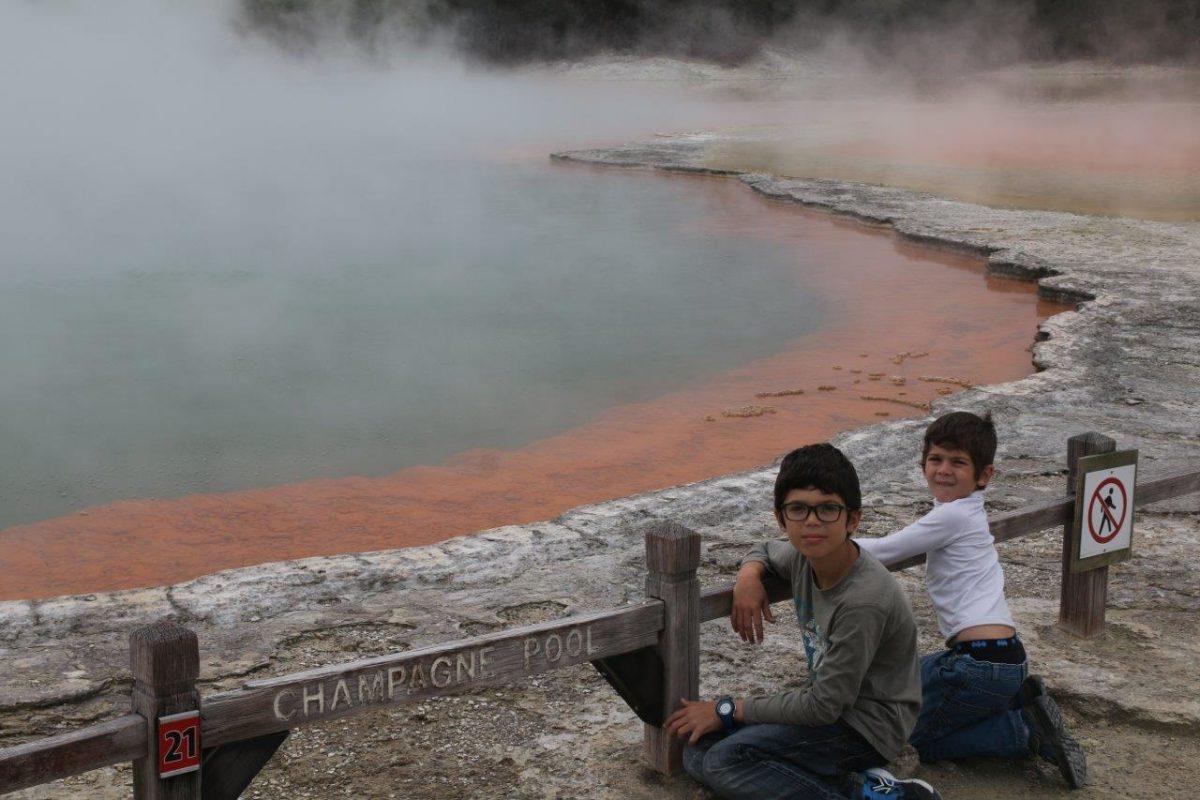 Wai-O-Tapu et Waikite Valley : bulles et fumées géothermiques