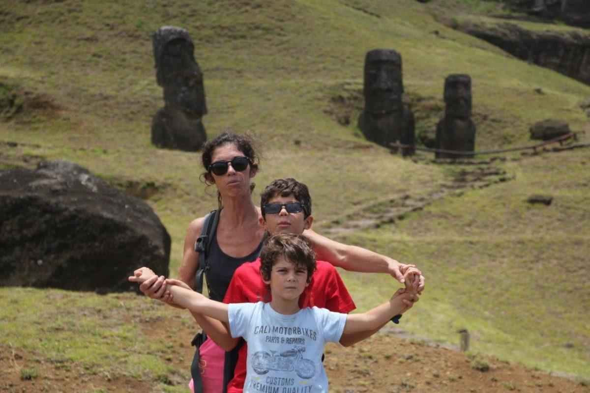 Rapa Nui (Île de Pâques) : Le volcan Rano Raraku carrière de Moaï