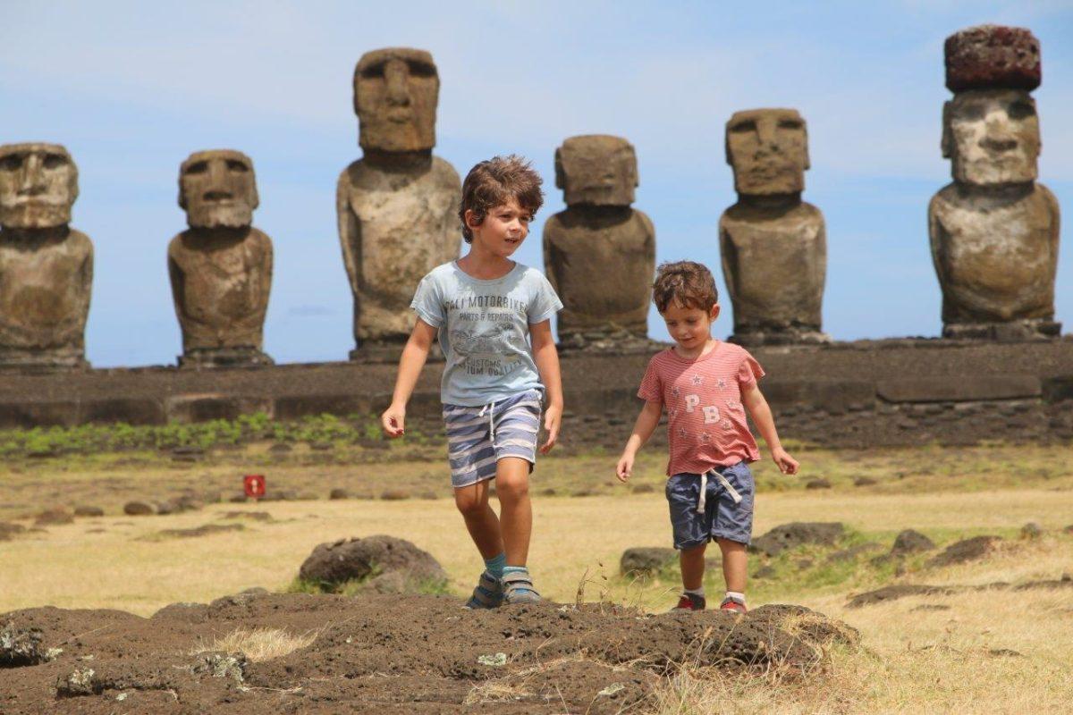 Rapa Nui (Île de Pâques) : les Moaïs de Tongariki