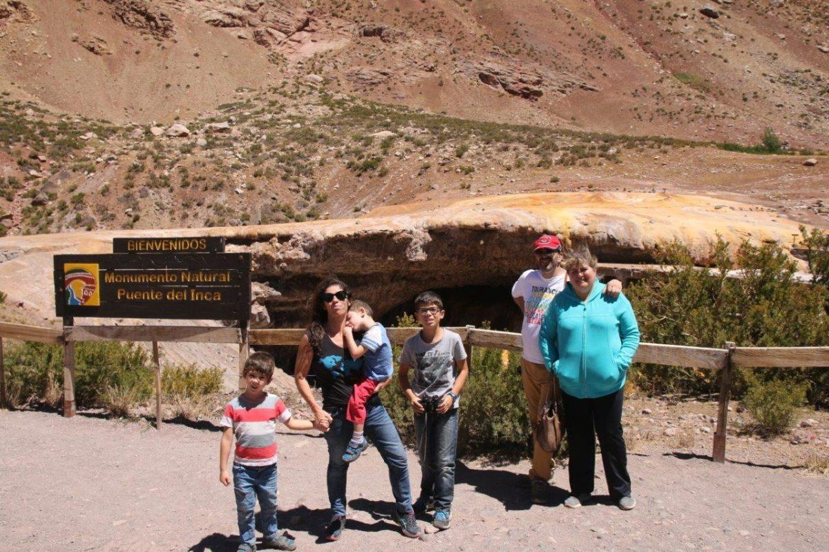 Les Andes autour de Mendoza : Monumento natural Puente del Inca