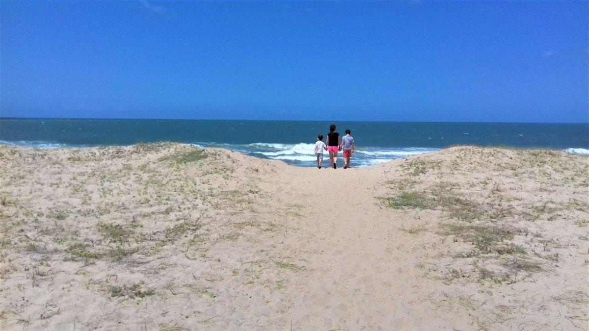 La Pedrera : village dans les dunes et les pieds dans l'eau